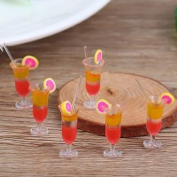 Pahar cocktail cu lamaie si pai