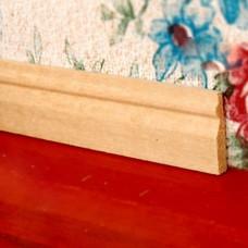 Plinta frezata din lemn pentru case de papusi